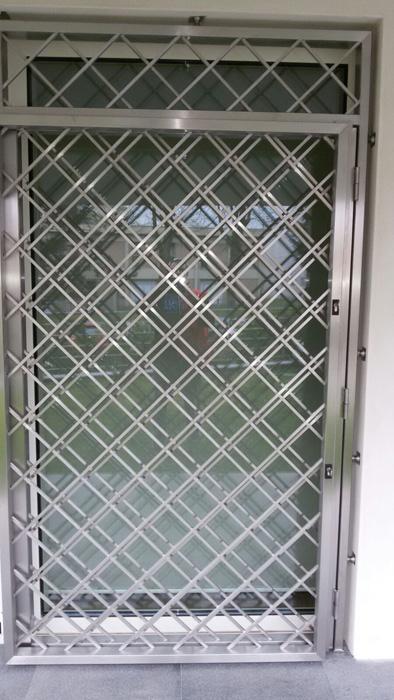 Vendita al Dettaglio Acciaio Inox Milano - Lavorazione, Satinatura, Lucidatura - INOX IDEA SRL